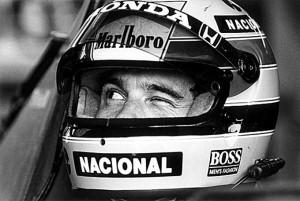 FOTOS FAMOSAS-A-piscada-de-Ayrton-Senna-26.03.1989-EVANDRO TEIXEIRA